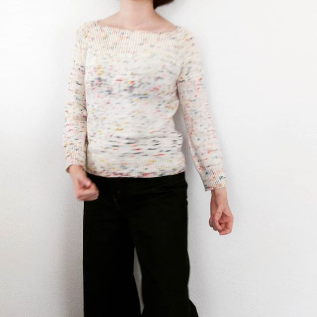 完成しました。pattern : Bloosom by @megswd yarn : #madelinetosh #toshmerinolight #murakami Size : Sweight : 300gneedles : 3.5mm #hiyahiyaneedles#knitting #knitofinstagram #walnuttokyo #walnutkyoto